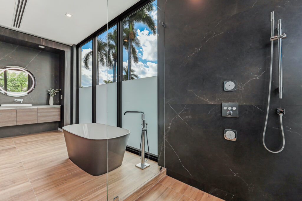 Linea Studio: The Luxury Bathroom Showroom